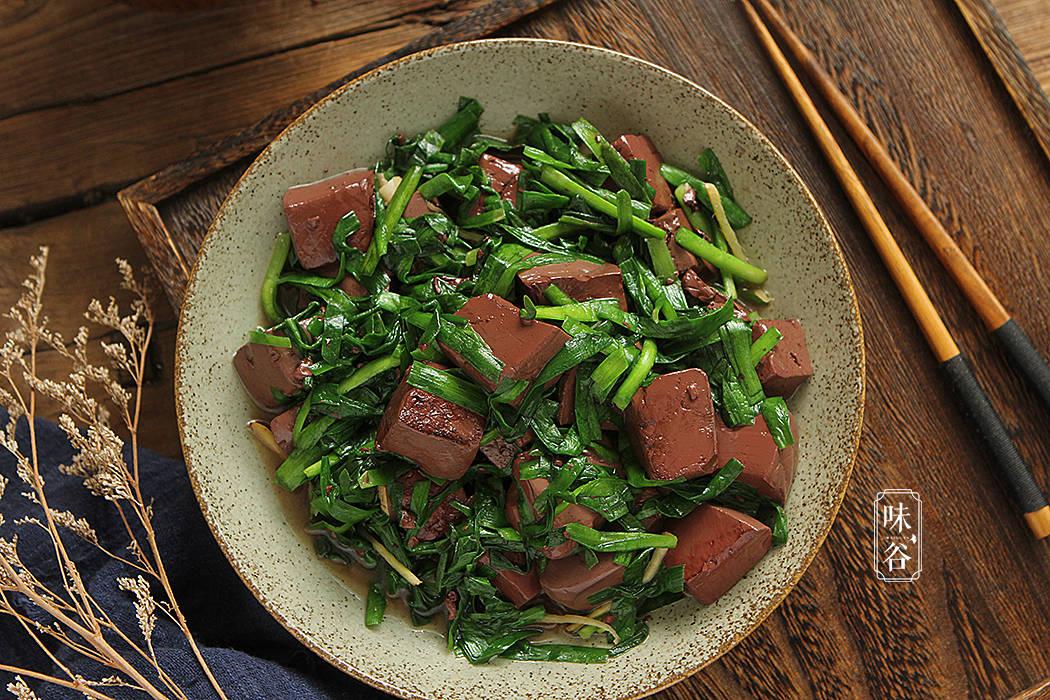 明日雨水节气,少吃辛辣油腻,多吃这6种菜,鲜嫩营养足,安稳度春