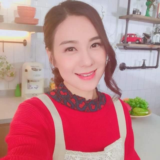 27岁TVB小花走红后绯闻多,被传搭上已婚律师,聊天记录曝光  第4张