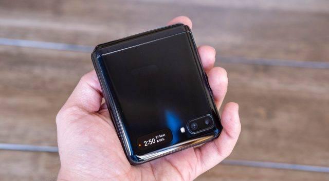 直降4500元,8GB运存+256GB+折叠屏,发布仅一年无奈加速退场