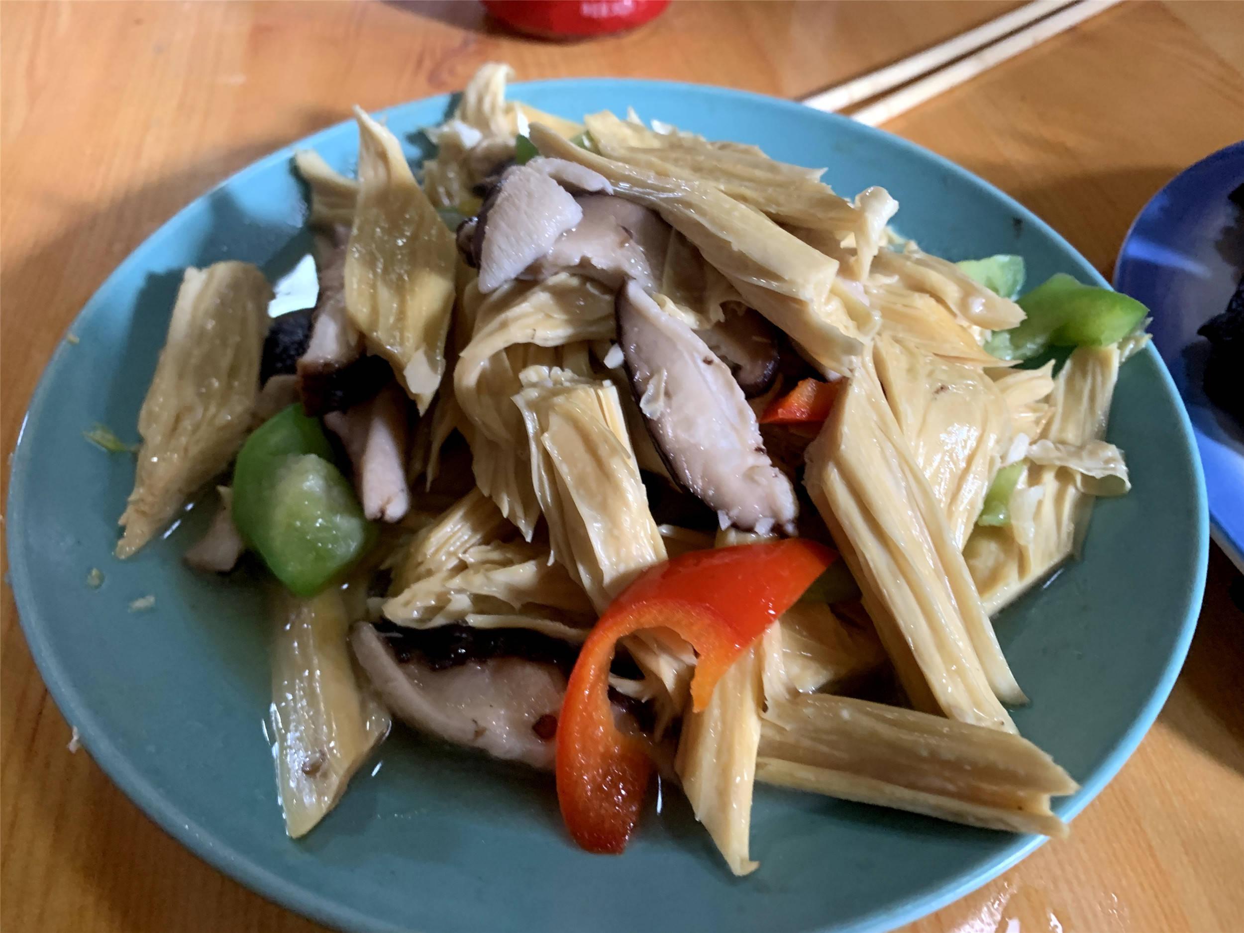 """回河南农村走亲戚,10个菜太""""接地气""""了,亲戚:就这条件了"""