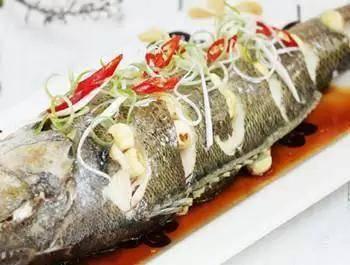 30余道菜肴,食材精心搭配,营养均衡好吸收,餐桌上很受欢迎
