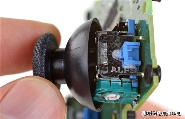 索尼PS5 DualSense手柄测试后发现,摇杆417个小时就需更换