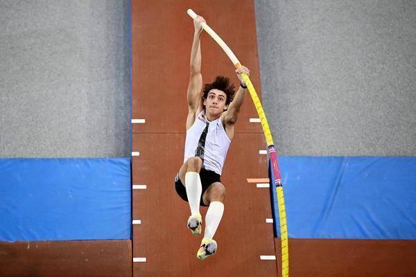 杜普兰蒂斯跳出6米10创世界第一 可排名历史TOP10
