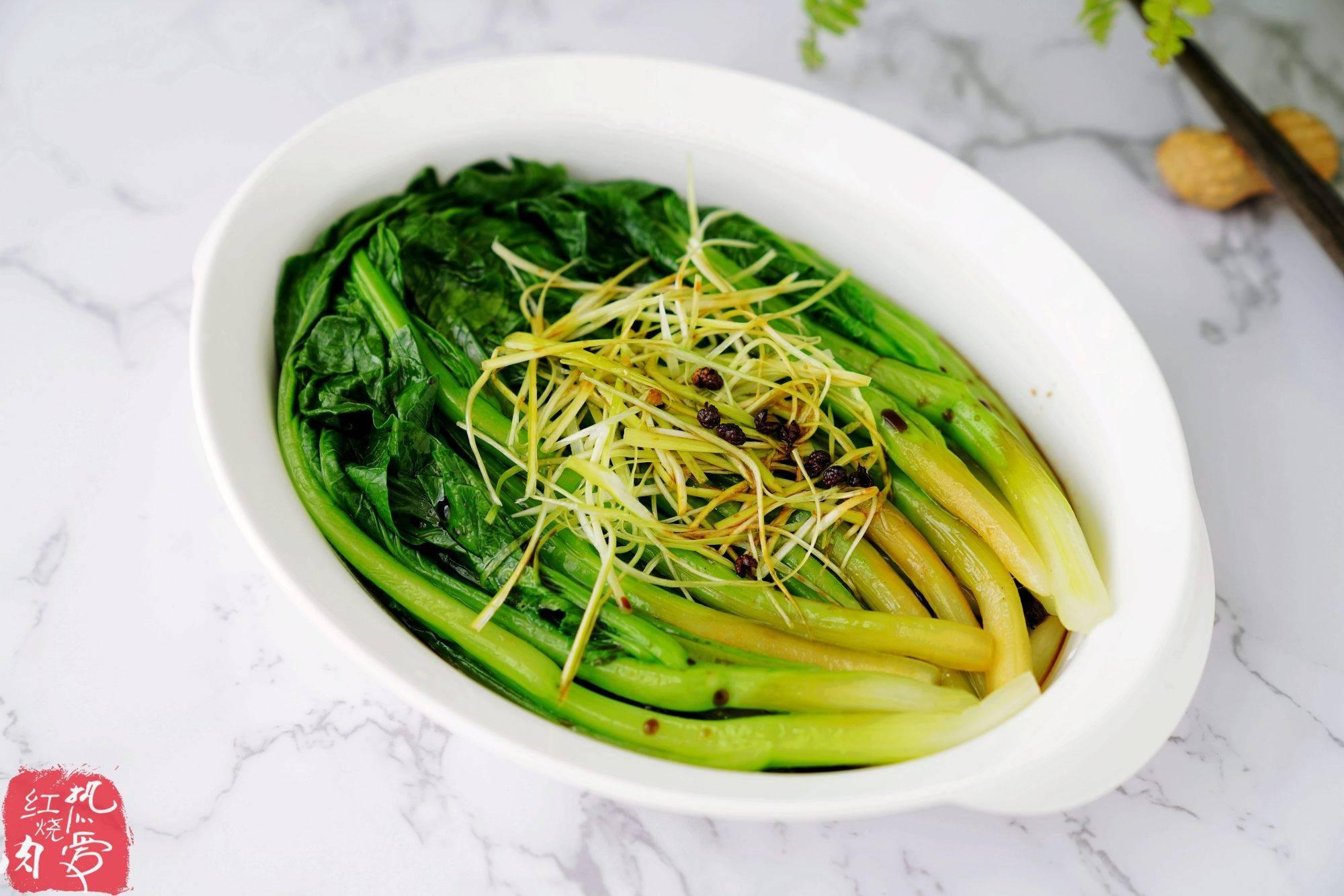 绿色的蔬菜都可以这么做,简单省事洗一洗连切都不用,关键是好吃
