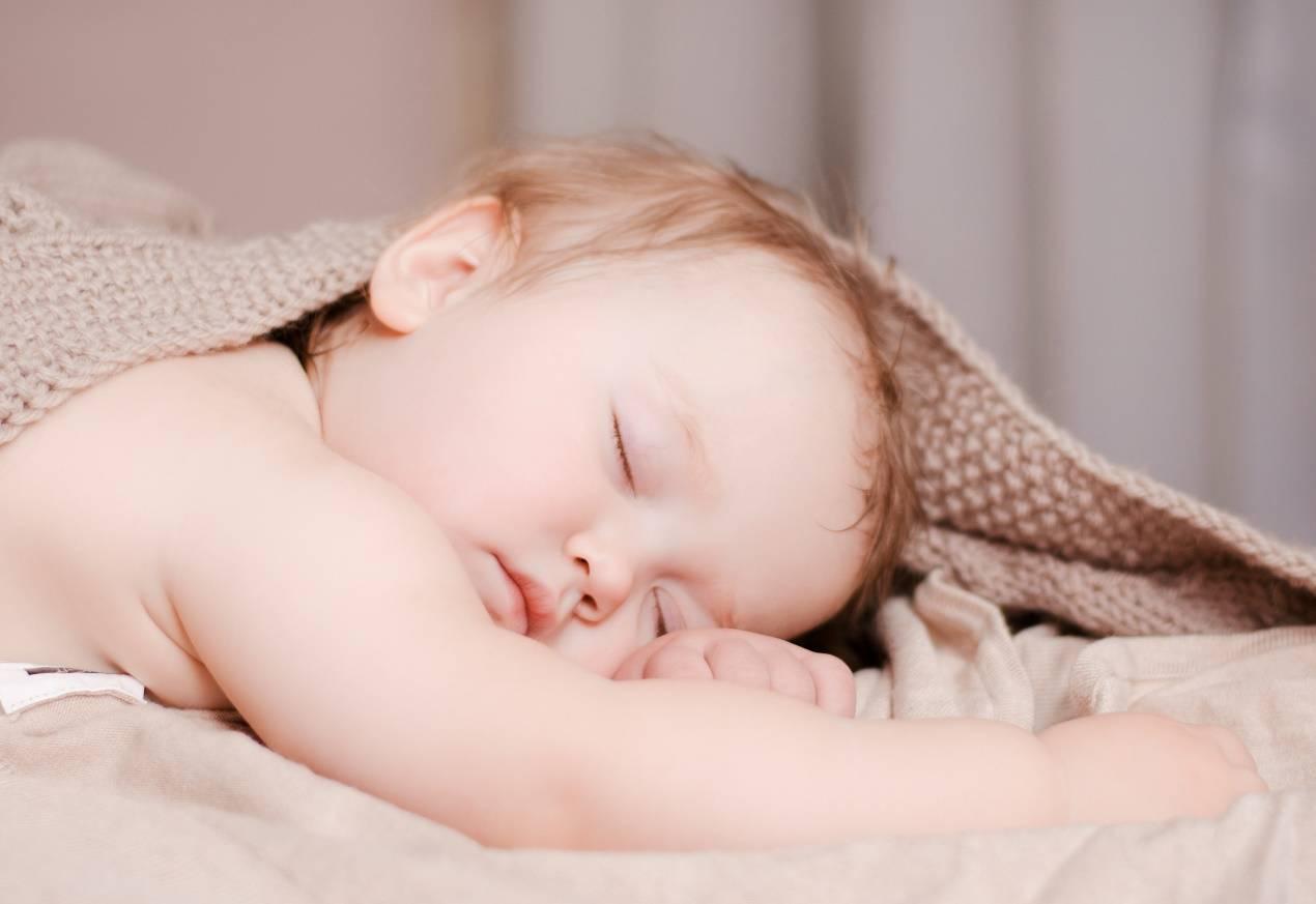从小就枕枕头的孩子,长大后差距在哪里?专家:这点发育会更好