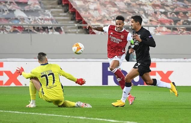 欧联-奥巴梅扬双响+头球绝杀 阿森纳总分4-3晋级