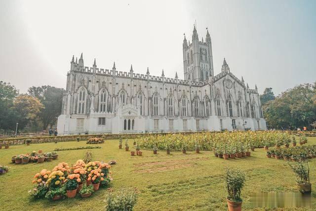 加尔各答,泰戈尔的故乡,最有名的景点是这座百年教堂