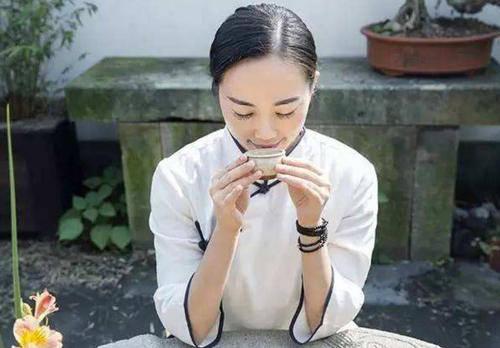 平时喝杯茶,来放松一下自己的心情,或许会有意想不到的收获