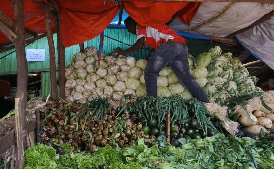 埃塞俄比亚:一个会说中文的卢旺达菜市场