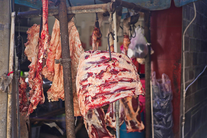 原创             云南腾冲苍蝇馆子不简单,一天卖掉1头牛,这味道别的地方吃不着