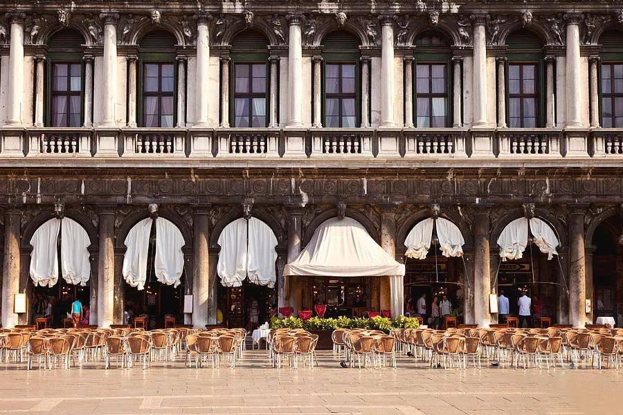心痛!开了300年的艺术咖啡馆,曾火爆欧洲,却被疫情整倒闭了...