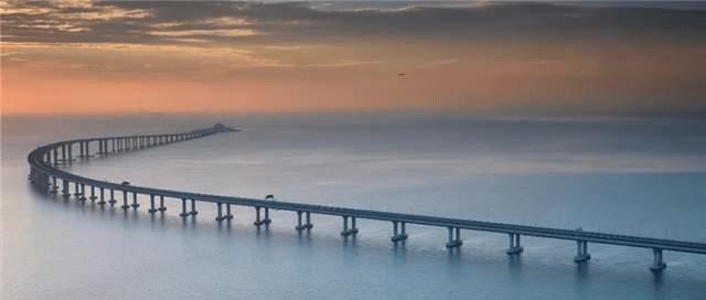 """""""港珠澳大桥""""通车,莫言留下一题词,其题字却备受争议"""