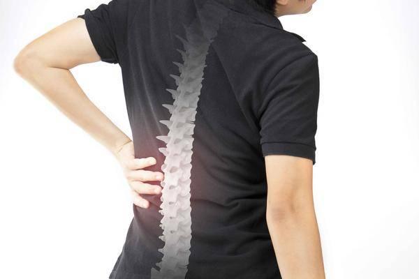 """骨头变""""空"""",一般会有4种症状,若你全没有,骨质疏松离你还远"""