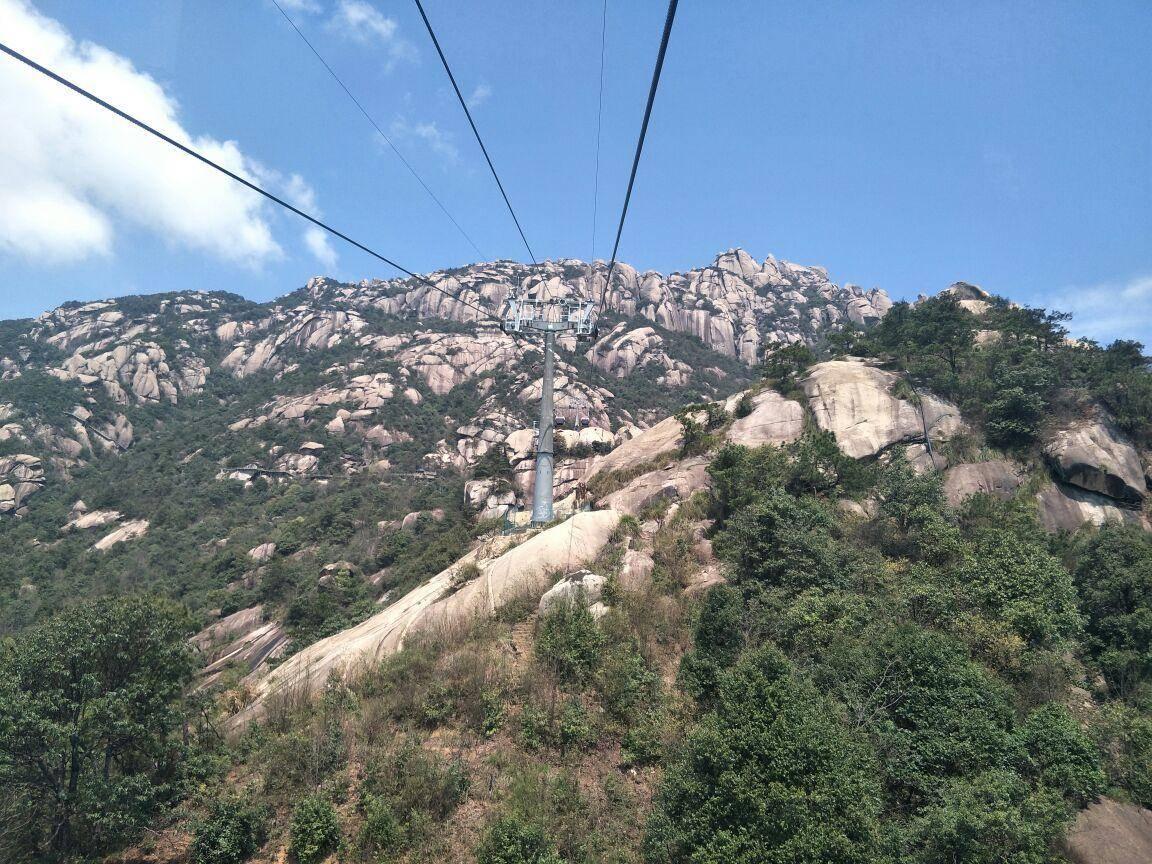 """江西一座山,被列为""""天下第三十三福地"""",主峰海拔1496米"""