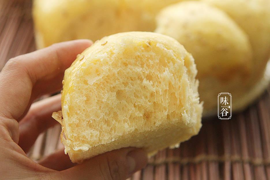 想吃面包不用买,1碗面 粉3个鸡蛋,不用烤箱,香