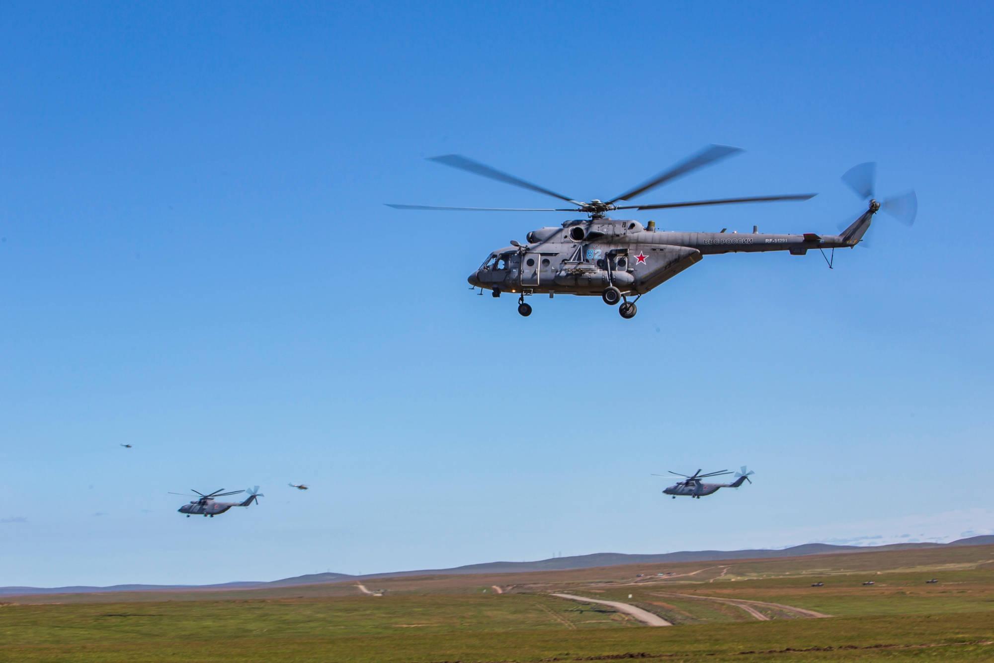 2000名特种兵空降敌后 3个空中突击营从正面发起进攻:哪里跑?