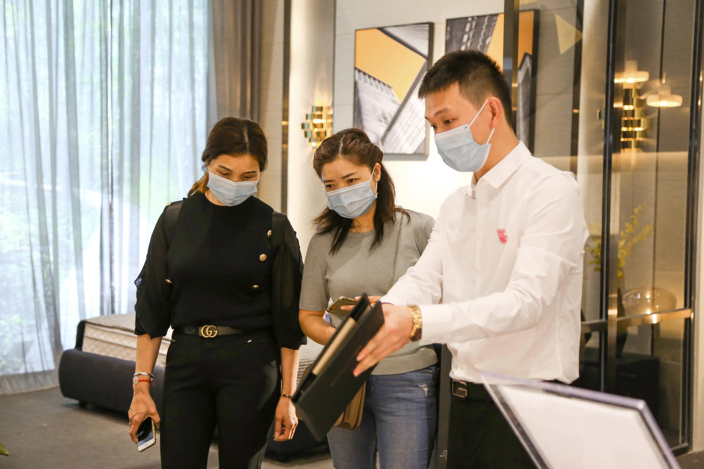 精彩回顾|第36届深圳国际家具展卡路福床垫大放异彩