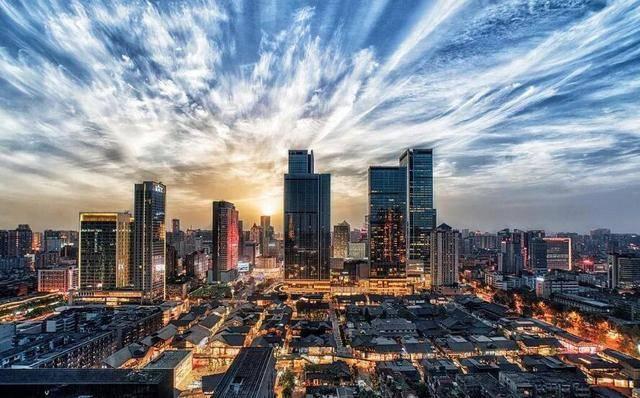 四川省2020经济总量将达到_四川省地图