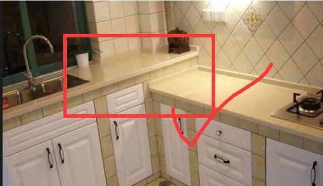 新房装修入住半年直接崩溃,全屋全部砸掉损失20万,就留个厨房!