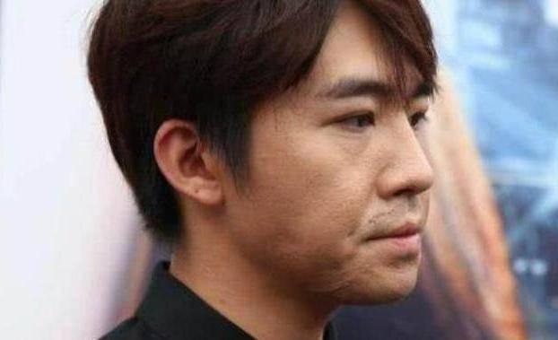 俞灏明整容之后,31岁的脸嫩回18,脸蛋比刚出道时还嫩!  第5张