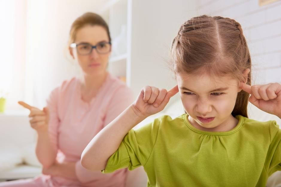 高情商的父母和孩子聊天时,都会刻意避开这3句话,因为伤害很大
