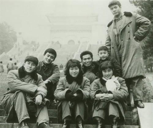 80年代老照片:明星们的青春合影不看名字你能认出谁?插图