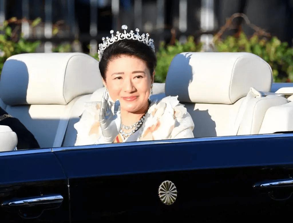 原创             爱子公主没有专属皇冠戴了!日本皇冠价值超百万,却被嘲批发来的