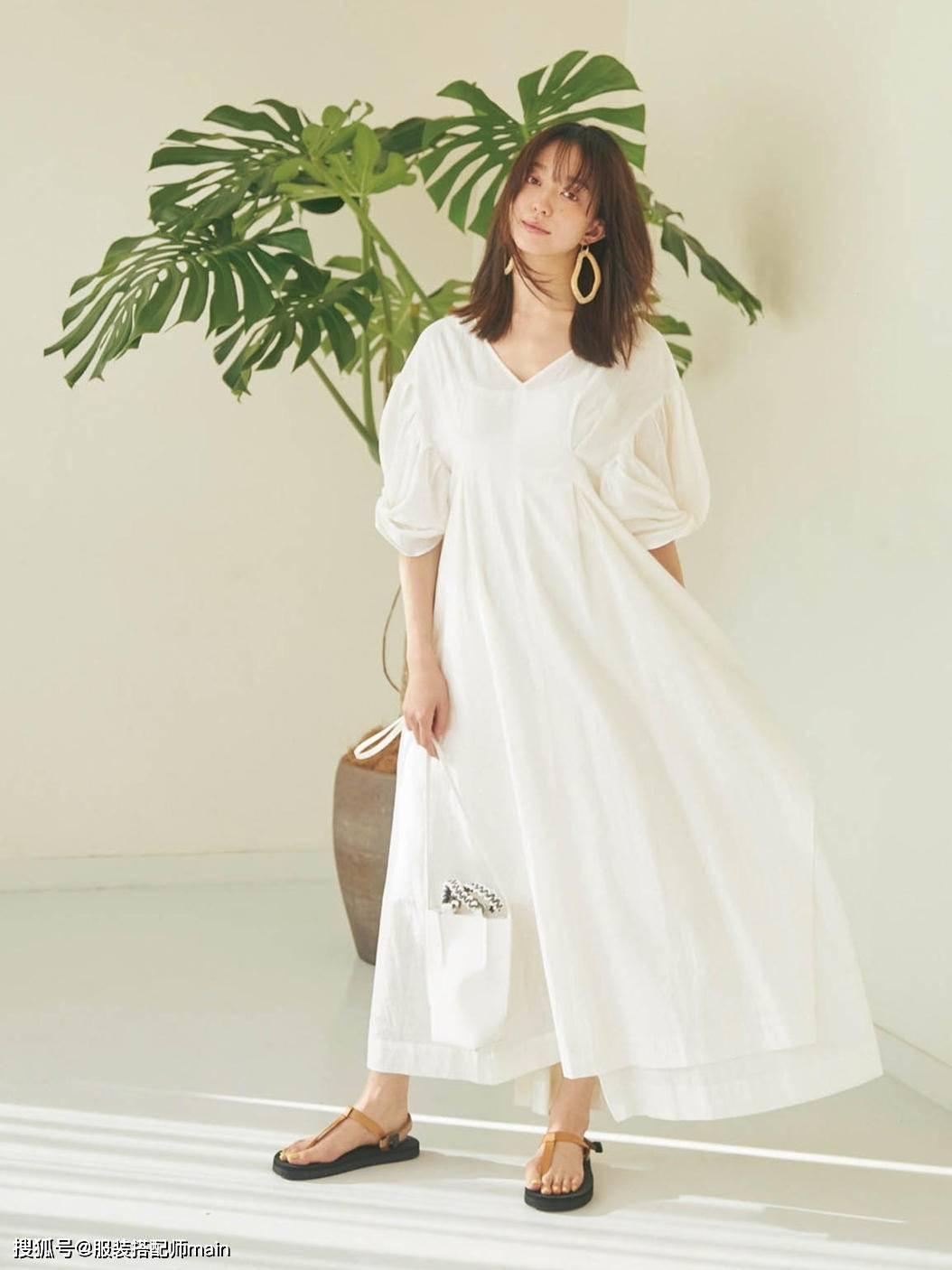 原创             小白裙怎么选呢?创业者穿上显干练,见家长穿大方又得体