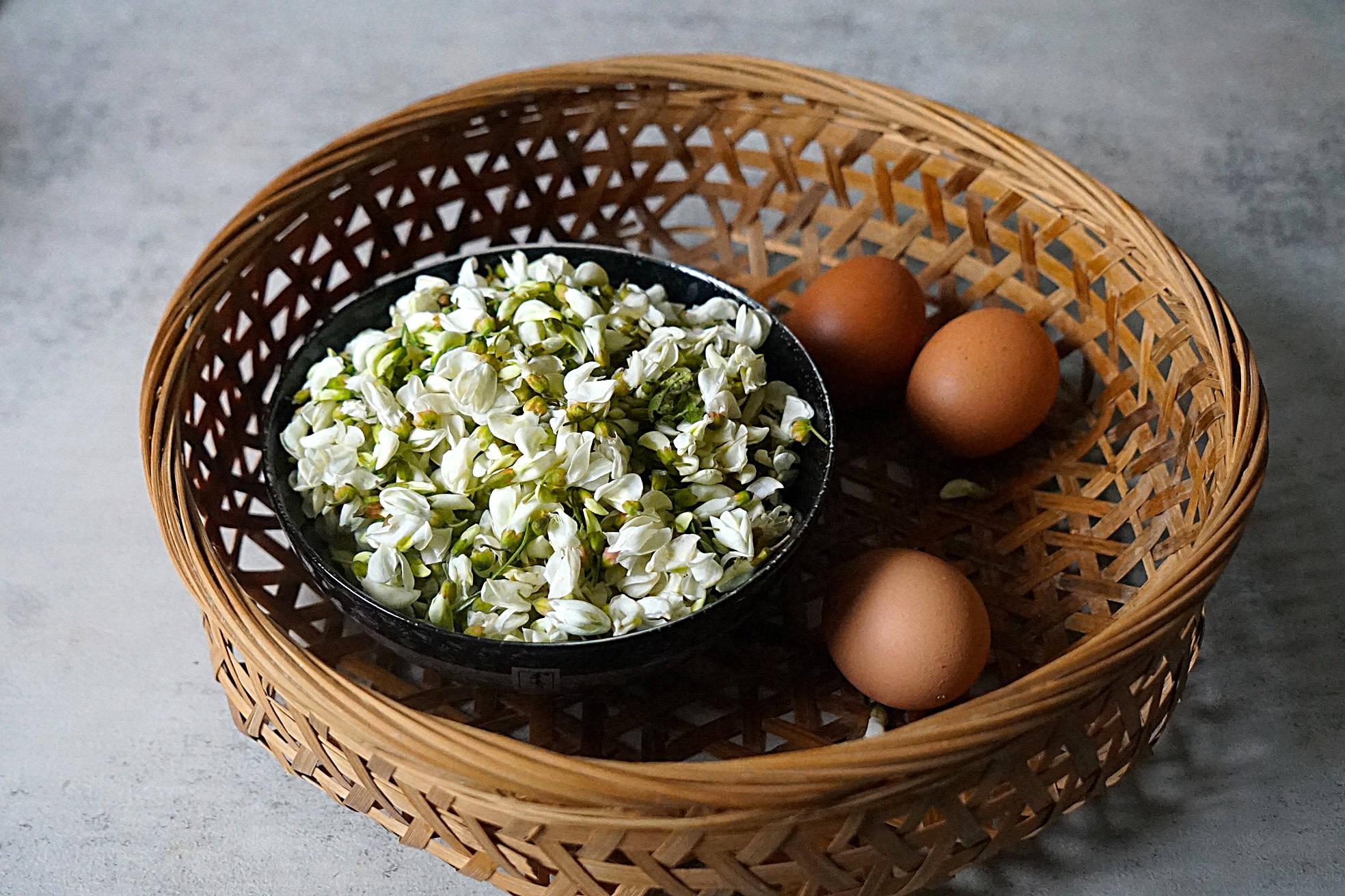这花气味沁人心脾,2块钱1斤,和鸡蛋炒滑嫩又美味,炒一盘不够吃