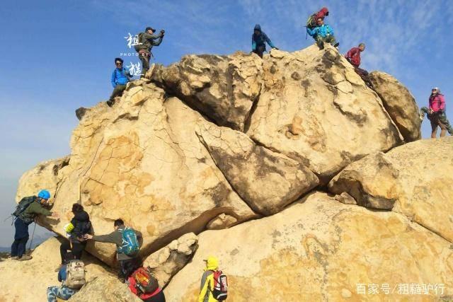 """旅行爬山,为什么""""聪明人""""从不穿牛仔裤?驴友:穿一次就知道了"""