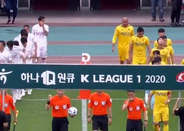 原创             山东泰山将引进1米93巴西高中锋:在韩国联赛已打进40球!