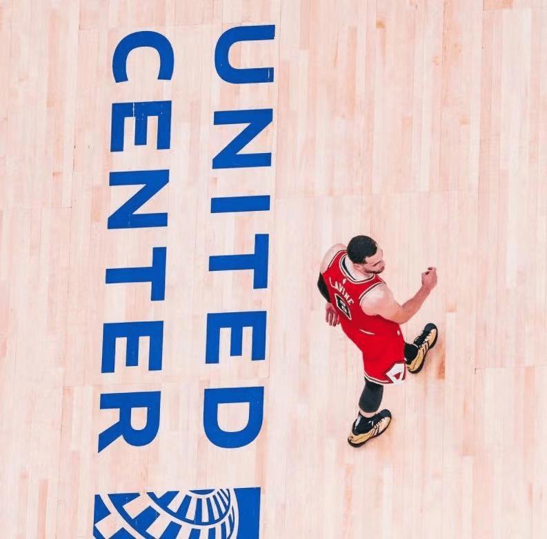 原创             NBA又1超级球队出现?一出手就是4巨头!他们硬刚篮网到底