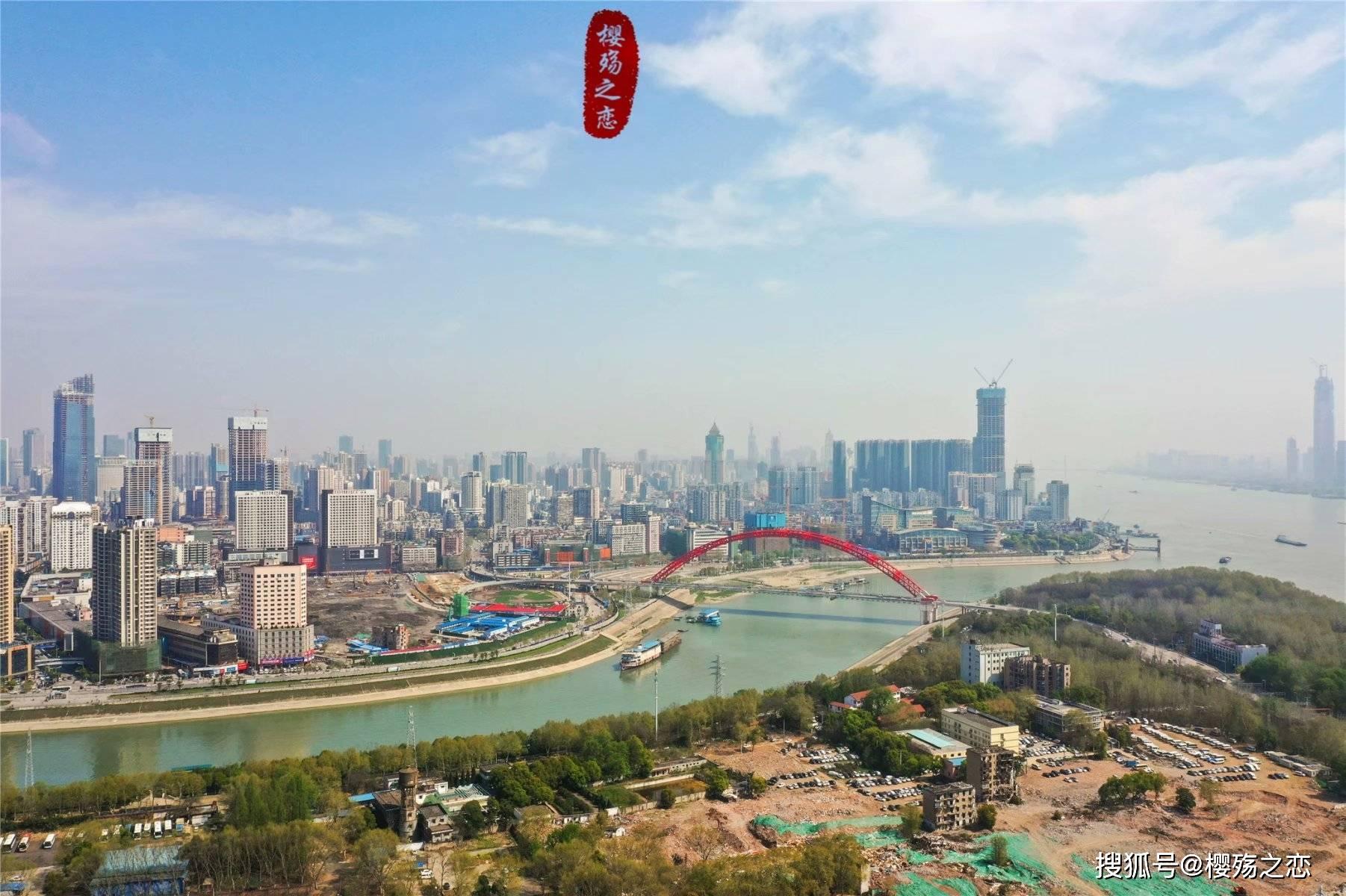 湖北省gdp_GDP季报出炉:8省进入万亿俱乐部湖北增速领跑上海掉出前十你的...