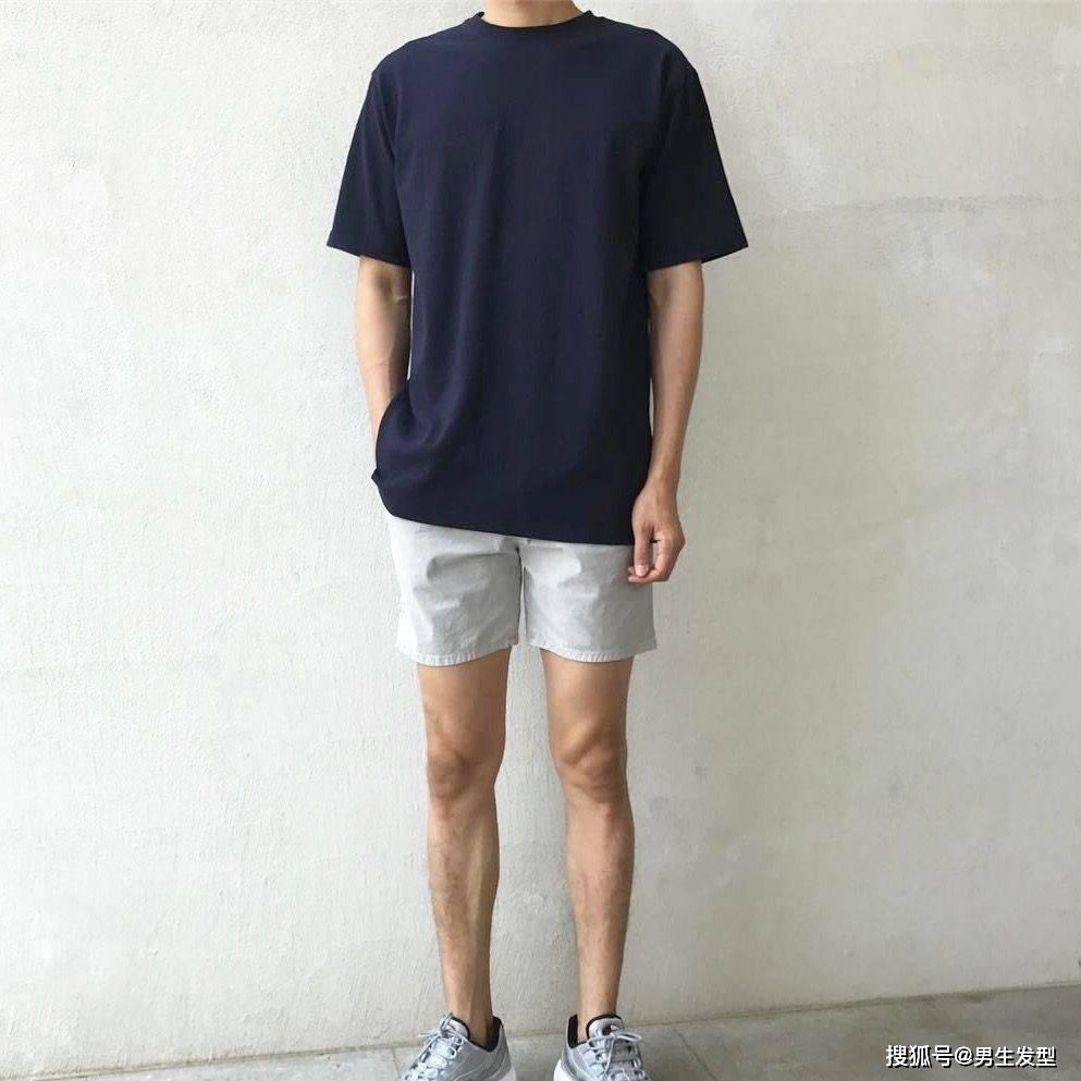 """夏天短裤那么多 还是这条""""四分裤""""时髦百搭 这样穿更显魅力 爸爸 第7张"""