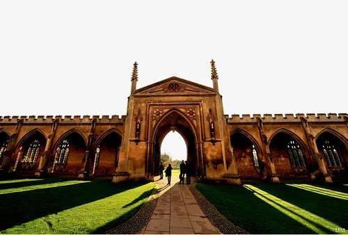 与强基计划争生源,剑桥大学等英国名校对华自主招生
