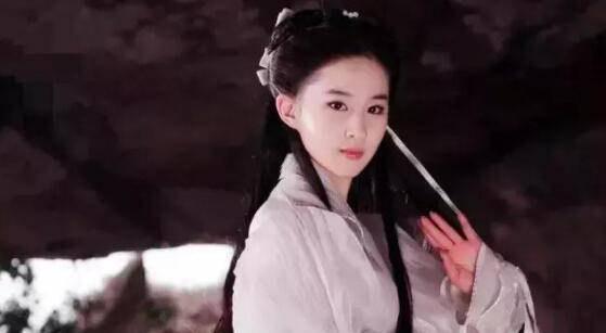 """在国外失去修图待遇的刘亦菲,""""仙气耗尽"""",暴露33岁真实颜值!"""