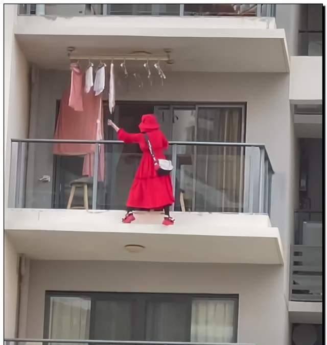 海南一女子阳台外跳舞后坠亡网友质疑其笔迹