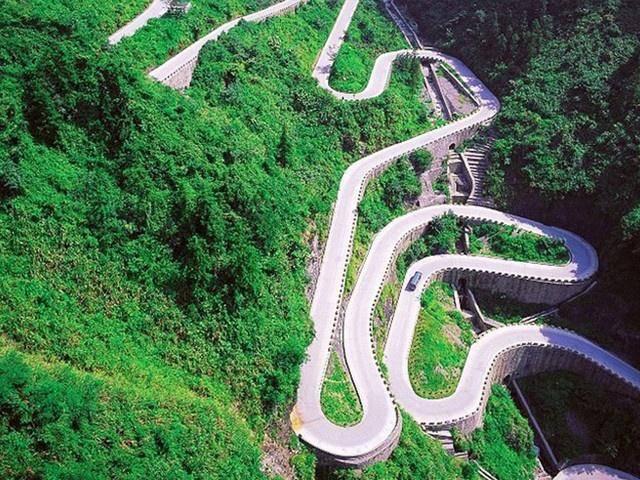 """湖南最惊险公路,长10.77公里,被誉为""""通天大道""""!"""