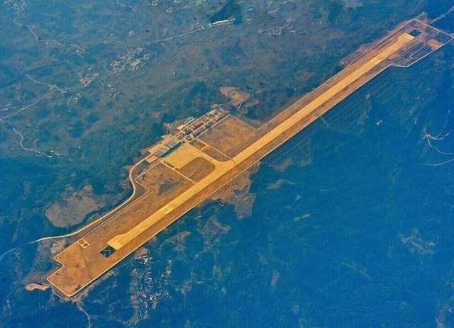 世界上最危险的3个机场,跑道尽头是悬崖,还有一个在中国