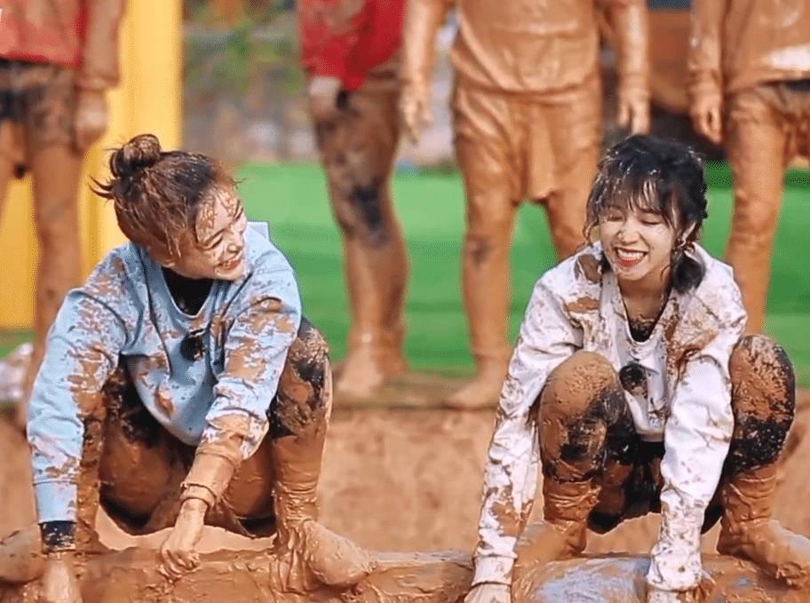 跑男團為宋雨琦應援,李晨同手同腳跳舞好滑稽,我卻在意baby的情緒