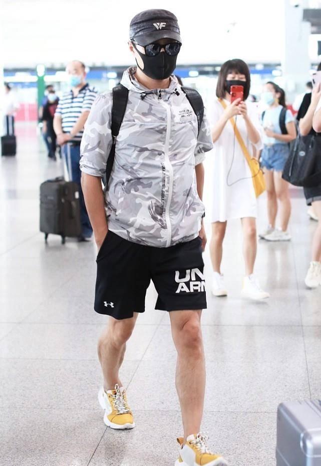 汪峰保养的好没啤酒肚 人到中年穿运动短裤 健壮身材真显男人味 爸爸 第7张