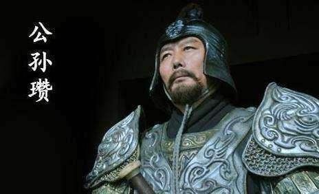 他是东汉末年的一代军阀,兵败后竟然杀死全家后自杀而死