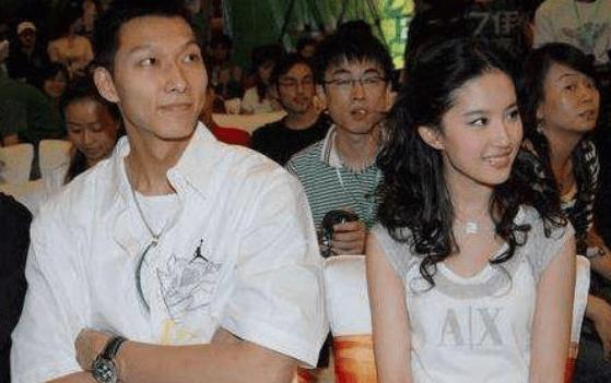 中国篮坛第一人易建联,曾疯狂示爱刘亦菲,送百万手镯却被秒拒