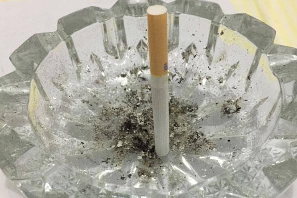 不抽菸的人,為什麼也會得肺氣腫?肺氣腫,和什麼因素有關?