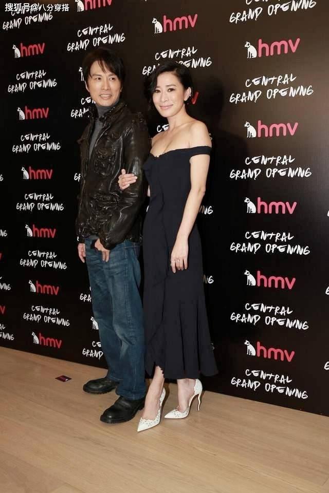 如何像佘诗曼一样把黑色抹胸连衣裙穿出华丽高级感?最新小黑裙穿搭妙招