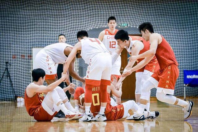 亚洲杯预选赛直播:中国男篮vs日本男篮 中国男篮蓄势待发,保持专注迎战!