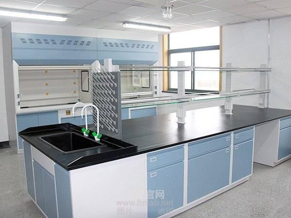 我們該如何確定實驗室傢俱的顏色?