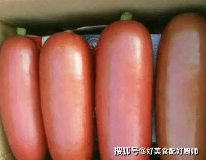 論斤賣的「大烤腸」,8塊錢一斤路人搶著買,切開後:感覺被坑了