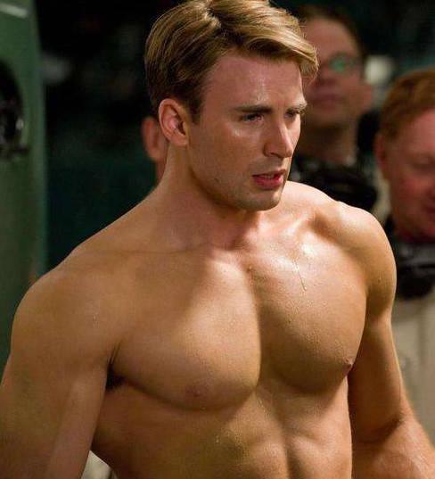 """美队的肌肉是真的 雷神的肌肉也是真的 只有他肌肉是""""注水""""的-家庭网"""
