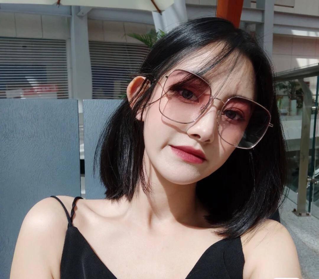 夏天必备墨镜怎么选?4款增加高级感的款式 不仅遮脸还时髦 爸爸 第6张